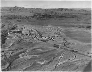 Aerial_view_of_Boulder_City,_Nevada_-_NARA_-_293834 1932_1224 (1)